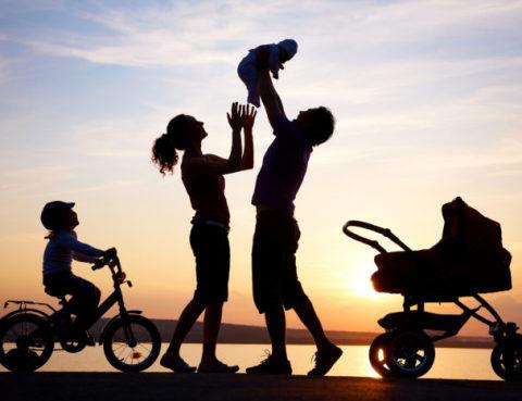 happy-family-silhouette--e1479713756356